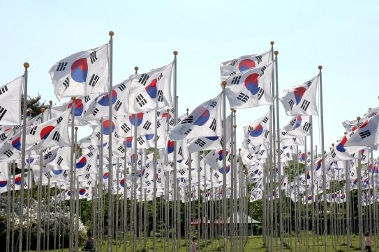 korean-flags-804528_1920